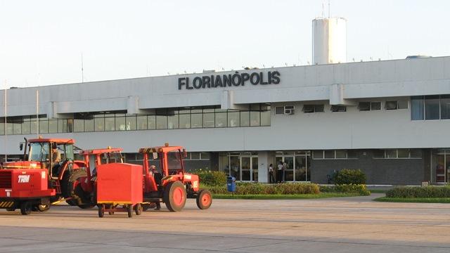 Florianopolis Aeropuerto | © kikesan | © atramos